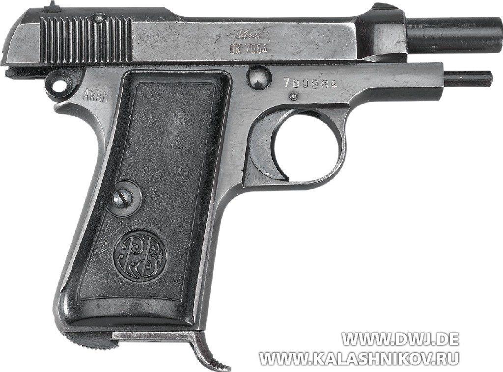 Пистолет Beretta М1935. На затворной задержке