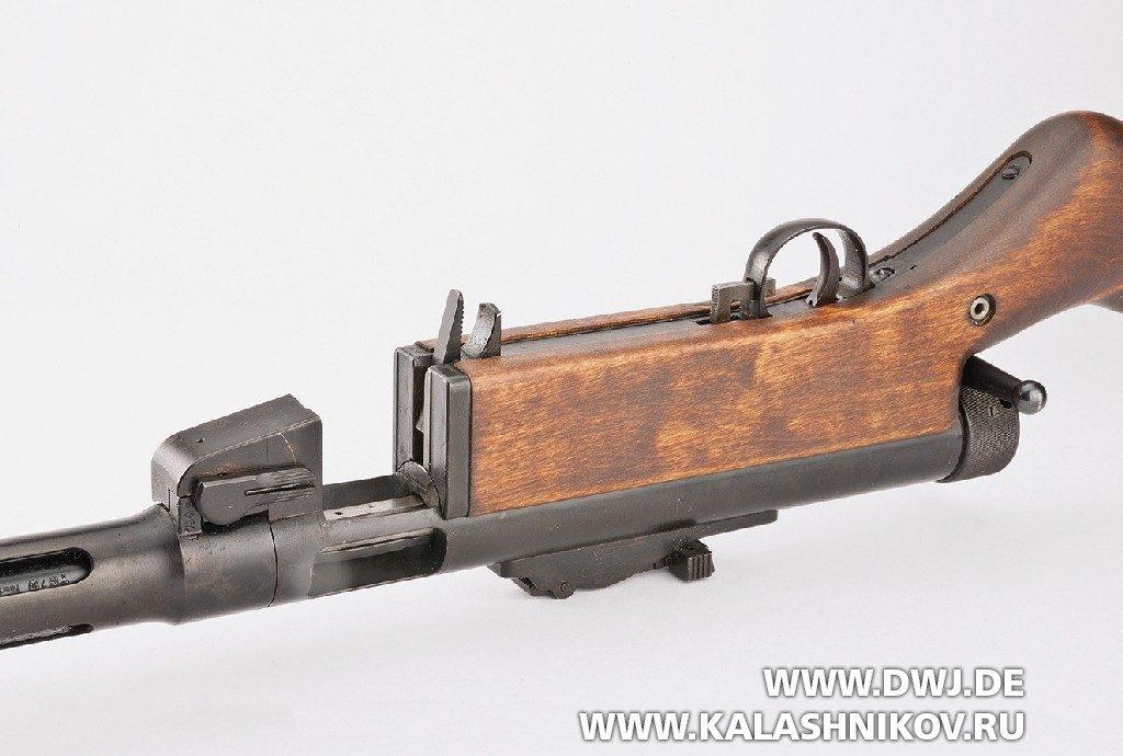 Пистолет-пулемёт Suomi KP/-31. Приемник магазина