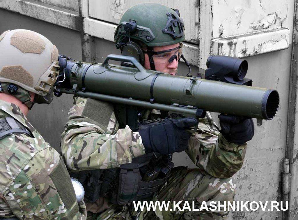 Aimpoint, FCS13RE, Carl Gustaf, ручной гранатомёт, боевой расчёт, противотанковый гранатомёт