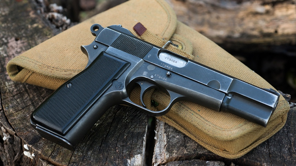 Browning Hi-Power Inglis