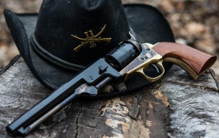 Револьвер Colt